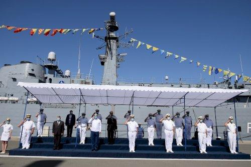 """Nouă decenii de tradiție și profesionalism pentru fregatele """"Regele Ferdinand"""" și """"Regina Maria"""""""
