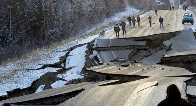 Cutremur puternic cu magnitudine de 7,9 produs în largul peninsulei Alaska