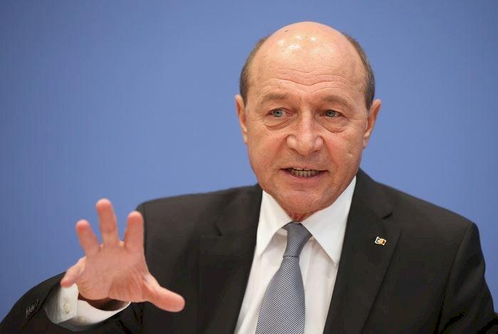 Băsescu, domnilor care îi cer demisia: nu iau în considerare astfel de declaraţii ale parlamentului. Cer scuze românilor pentru arestarea fratelui meu