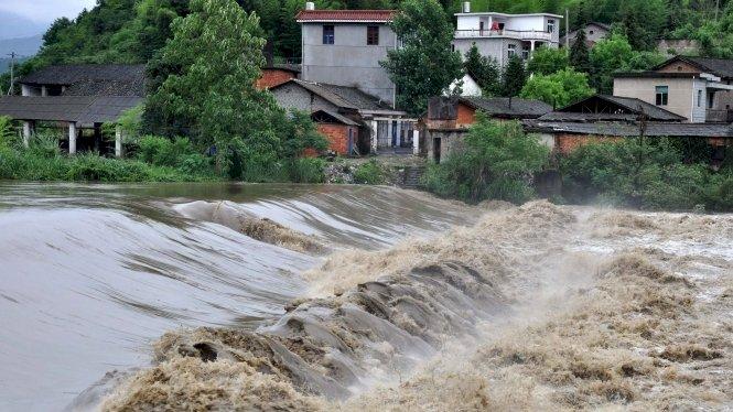 Furtuni puternice şi viituri în China