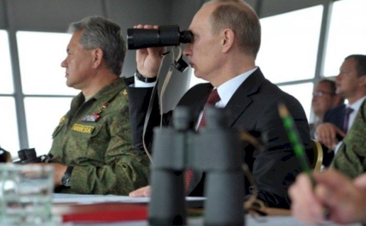 """Criza în Ucraina. Vladimir Putin a plasat forțele armate din centrul Rusiei în """"stare de alertă maximă"""""""