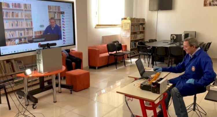 """Sistem integrat de ultimă generație pentru cursurile online desfășurate la Colegiul Național """"Mircea cel Bătrân"""""""