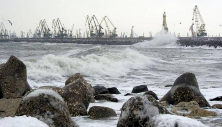 Furtuna a închis porturile maritime din Constanța