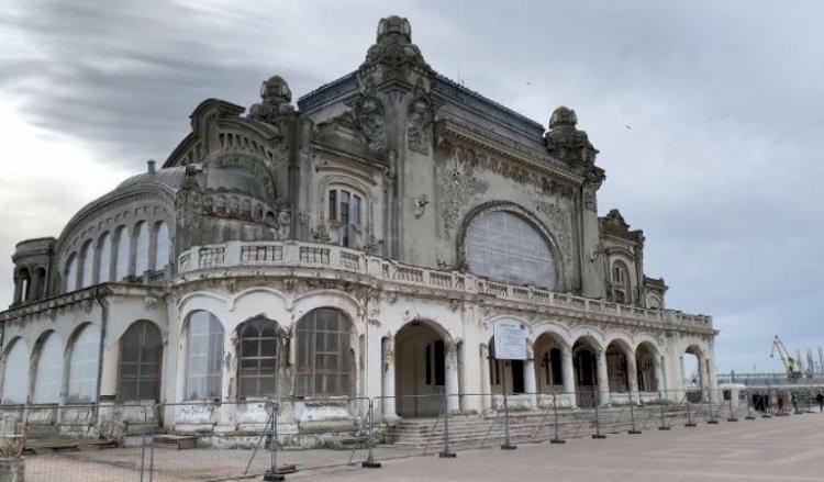 Au început lucrările la Cazinoul din Constanţa. Ce destinaţie va avea clădirea după finalizarea operaţiunilor