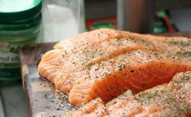 Carne de pește crescută în laborator, fără modificare genetică poate fi gătită