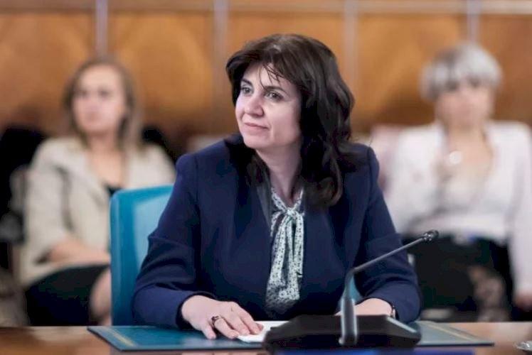 Ministrul Educaţiei: Reluarea cursurilor, în funcţie de evoluţia pandemiei