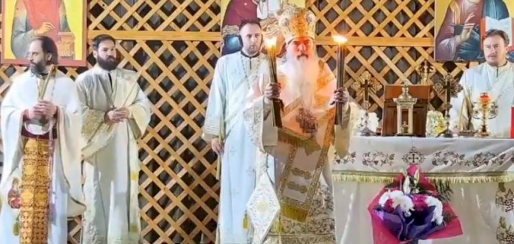 Slujba de Înviere cu repetiție la Constanța. ÎPS Teodosie a împărțit Lumina credincioșilor