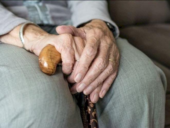 Primăria Constanța alocă fonduri pentru persoanele vârstnice. Ce condiții trebuie îndeplinite