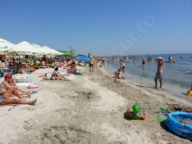 Restricții ridicate pentru vacanța la mare. Accesul pe plajă, permis şi fără şezlonguri