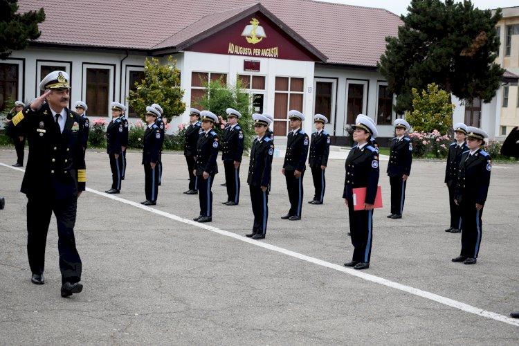 """Prima promoție de absolvenți, după 22 de ani la Colegiul Militar """"Alexandru Ioan Cuza"""" din Constanţa"""