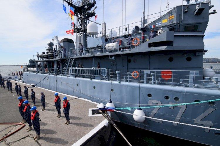 Gruparea navală permanentă NATO a preluat comanda Grupării Navale conduse de Forțele Navale Române