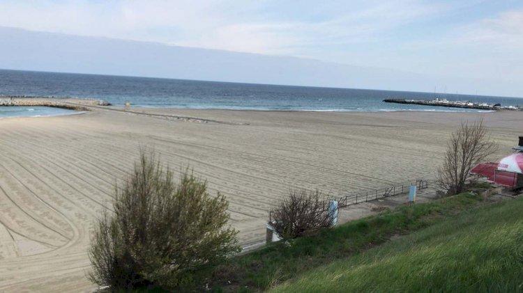 ABADL a aplicat amenzi de zeci de mii de lei pentru operatorii de plaja din Năvodari, Constanța și Vama Veche