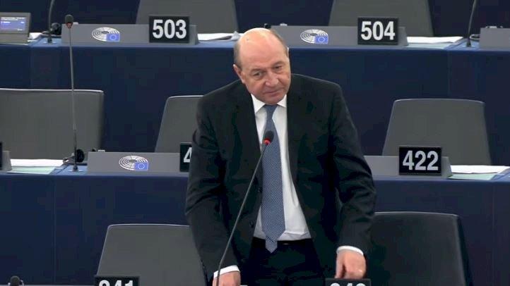 Băsescu: Timmermans şi Codruța Koveşi, deveniţi legende Europene anticorupţie presau sistemul să furnizeze dosare şi arestări