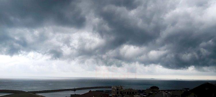 Atenționare meteo: Cod galben de vânt puternic și ploi torențiale la Constanța