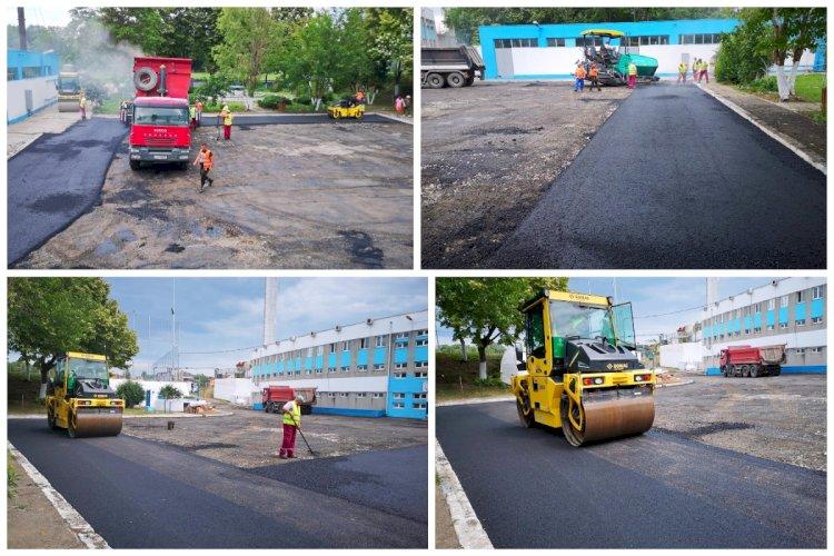 FOTO Se reabilitează parcările din incinta Complexului Sportiv Gheorghe Hagi din Constanța