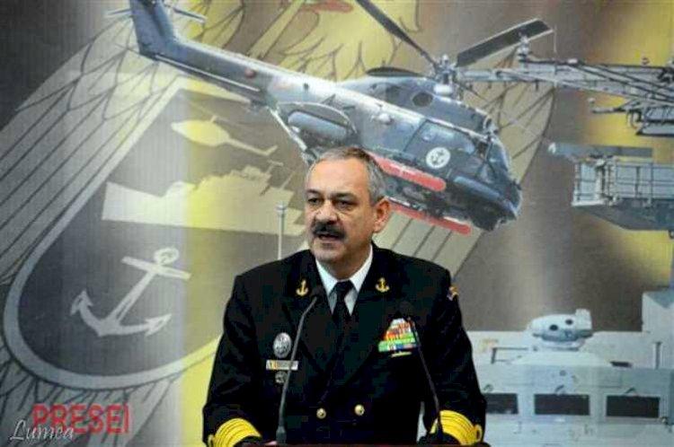 Viceamiralul Alexandru Mîrșu, șeful Statului Major al Forțelor Navale, decorat de președintele Iohannis