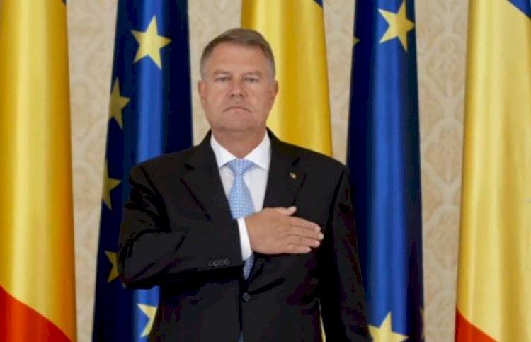 Președintele Iohannis: Să fim mereu mândri de Drapelul Național și de istoria pe care o poartă