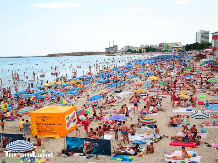 Numărul turiștilor sosiți pe litoral a scăzut semnificativ în primele patru luni în 2020