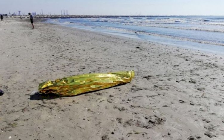 Trupul băiatului de 13 ani, dispărut în mare, a fost găsit între stabilopozi