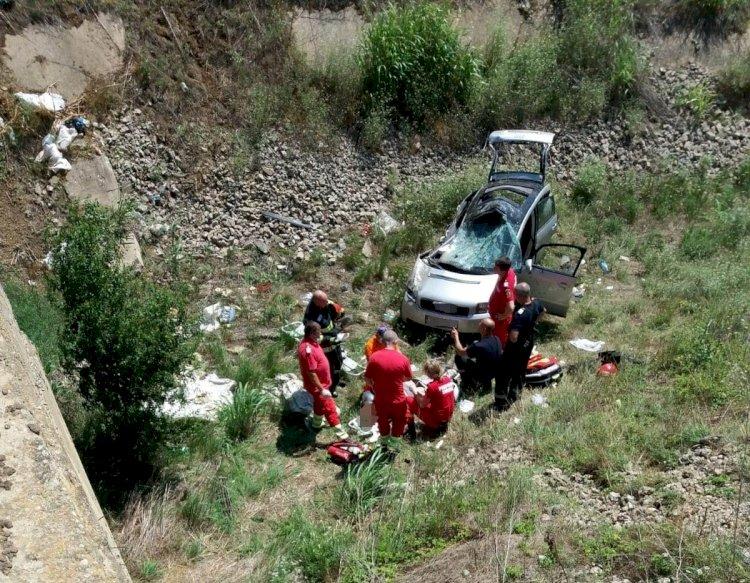 Accident grav între Amzacea și Pecineaga: un tânăr a murit iar altul se află în stare gravă la spital