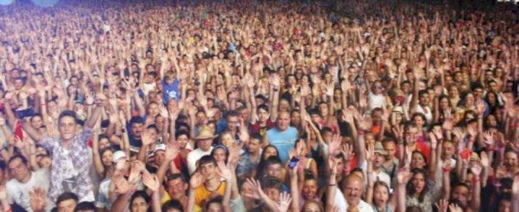 Organizatorul unui concert de muzică electronică de pe plaja din Năvodari, amendat cu peste 35.000 lei de către autorități