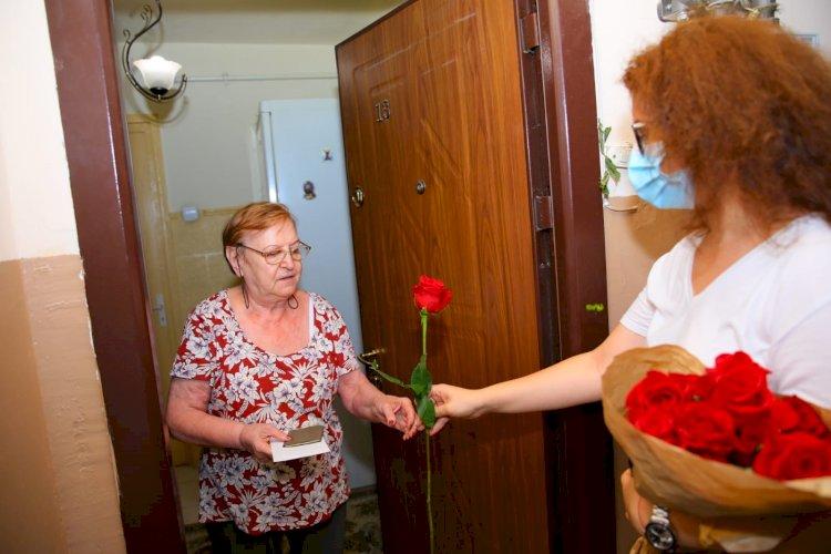 Primăria Constanța premieză la domiciliu seniorii care au împlinit 80 și 90 de ani, dar și 50 de ani de la căsătorie