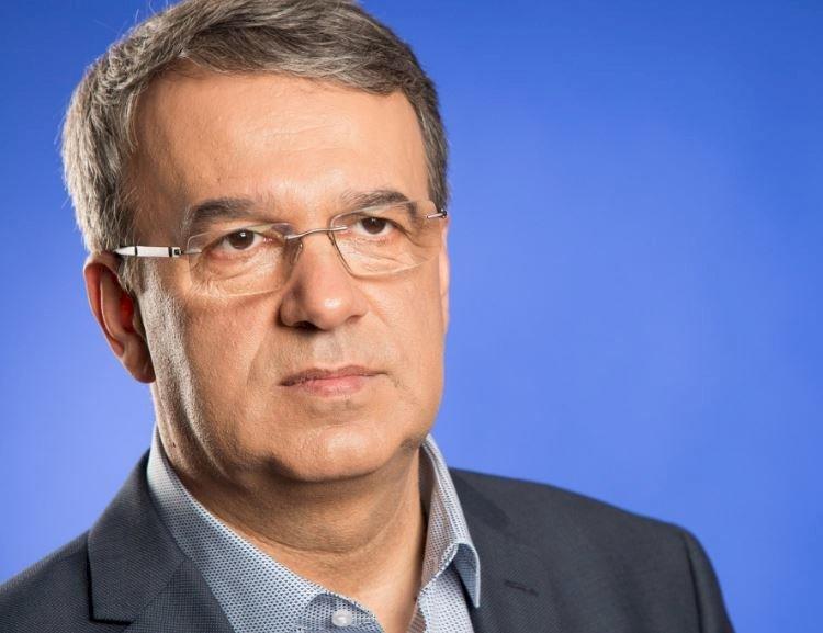 Primarul Vergil Chițac îi întreabă pe constănțeni: Ce punem pe primul loc, omul sau mașina?