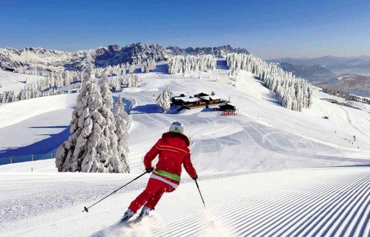 Autoritățile și patronatele din turism stabilesc reguli de siguranță pentru vacanța de iarnă