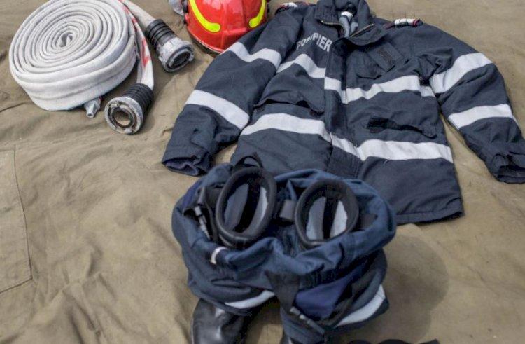 Un pompier infectat cu COVID-19 a murit într-un salon neîncălzit, cerând o pătură