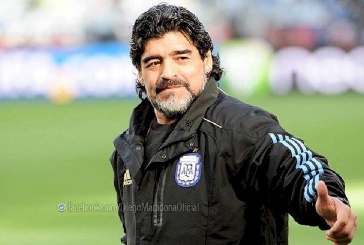 Fostul mare fotbalist Diego Maradona a încetat din viaţă în urma unui stop cardiac