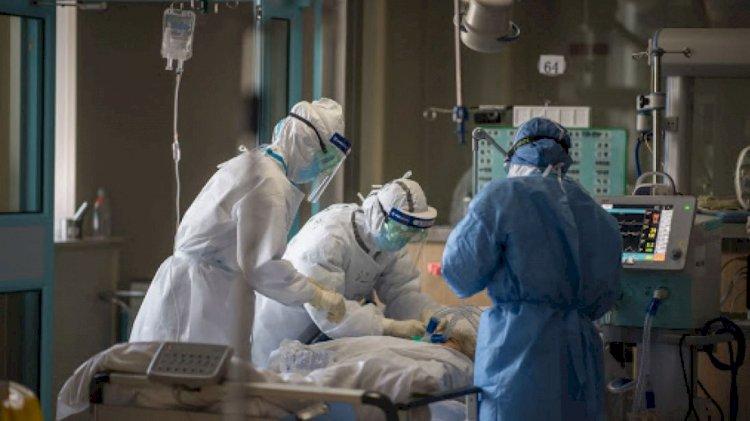 Sporul pentru personalul care îngrijeşte pacienţi COVID-19, majorat până la 85 la sută