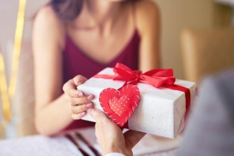 Cadourile în cadrul evenimentelor speciale – cum trecem de bariera Kitch-ului