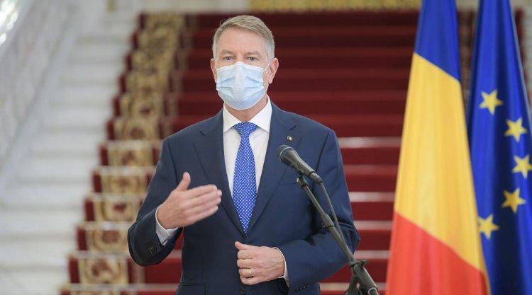 Iohannis: Dragi români, haideți să rămânem vigilenți și prudenți. Acest nou val ar putea fi ultimul