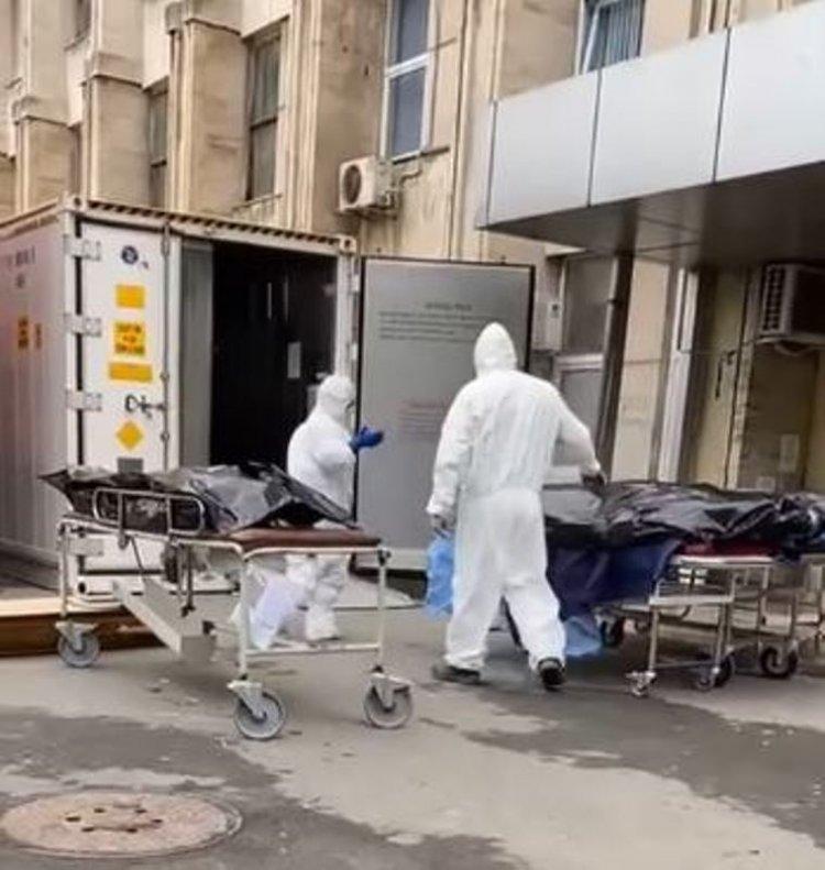 Foto-video: Pacienți decedați de COVID, lăsați în curtea morgii din Constanța și predați familiei