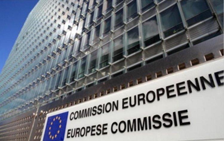 CE propune noi reglementări în sfera digitală, inclusiv sancţiuni contra companiilor online