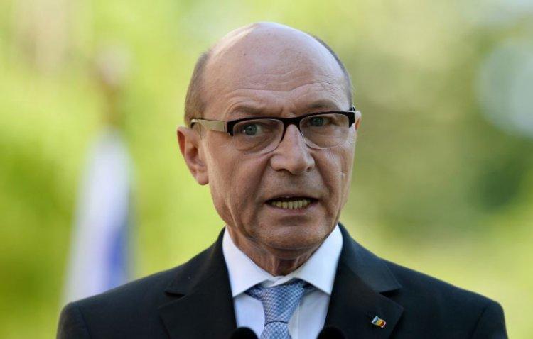 Băsescu, despre protestele din țară: Unde sunt premierul și președintele? Asta e lașitatea politicienilor!