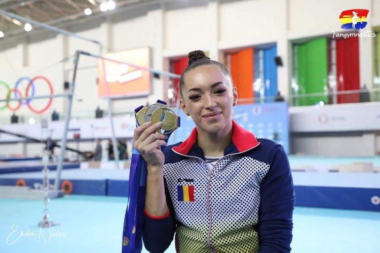 Gimnastele de aur ale României au revenit în țară. Iordache: Aşteptam aceste două titluri cu foarte multă nerăbdare