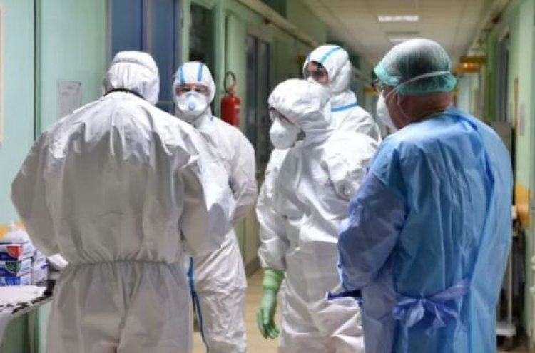 Iohannis: Un gând bun pentru întreg personalul medical. Noi toți românii ne uităm la voi cu speranță, cu încredere