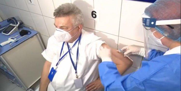 Sorin Rugină, este primul medic constănțean care s-a vaccinat anti-COVID