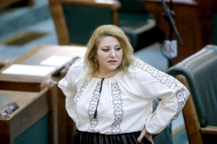 Diana Şoşoacă, despre Vlad Voiculescu: Sunt uimită. Este pentru prima oară când îl văd și nu fuge de mine
