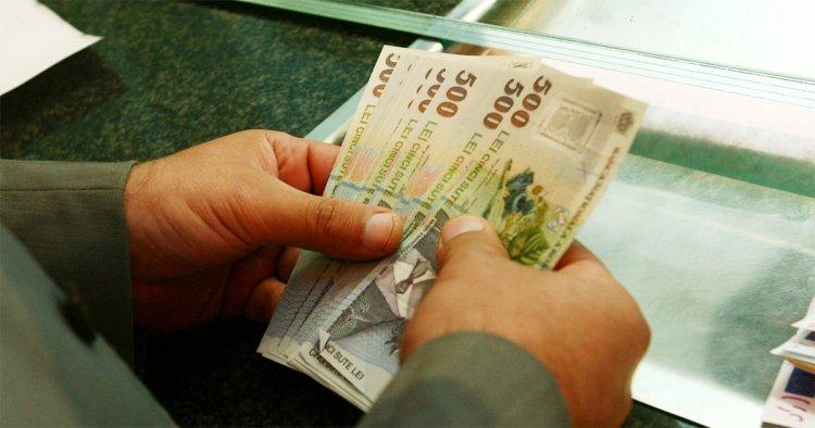Românii își vor putea amâna ratele la bancă și în 2021 pentru o perioadă de 9 luni