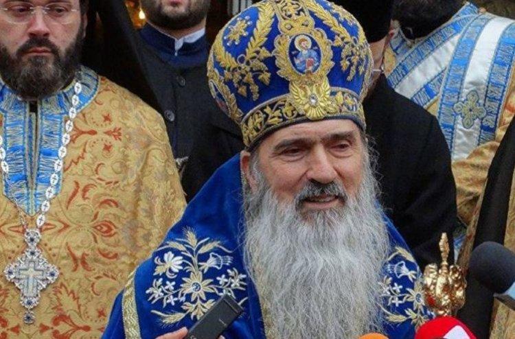 ÎPS Teodosie: Am cerut autorităților ca noaptea să puteți veni la biserică. Prefectul îl contrazice
