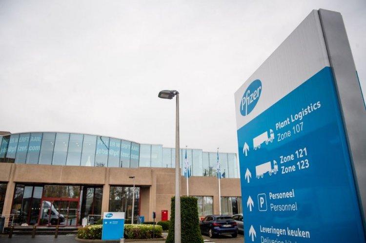 Pfizer face concedieri în Belgia şi transferă o parte dintre activităţi în România