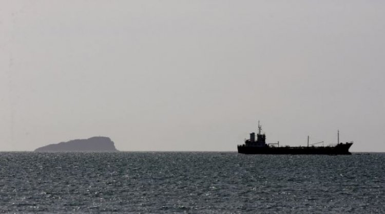 MAE: Nu s-au aflat români la bordul navei Davide B, atacată de pirați în vestul Africii