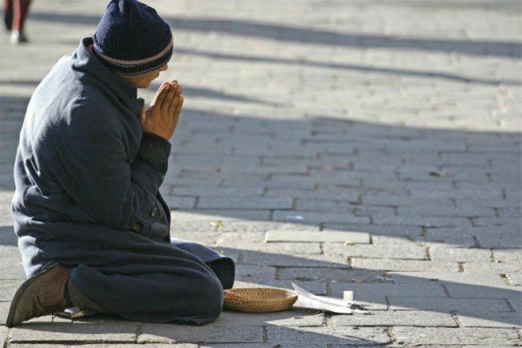 Patru români din Austria, deghizați în cerșetori, au dat spargeri de 65.000 de euro