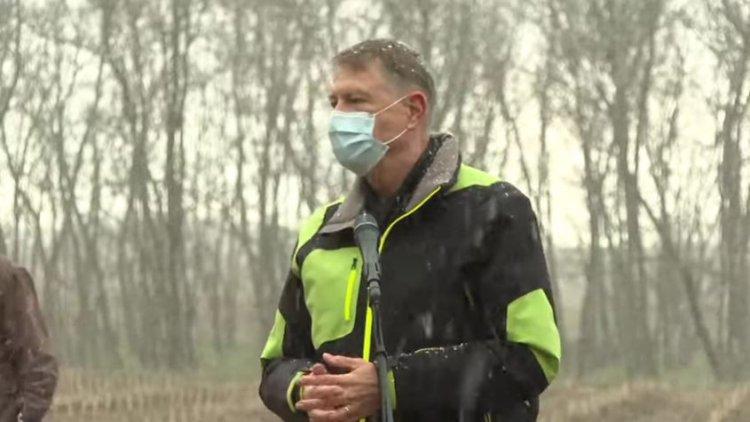 Iohannis: Fac apel la toți românii să respecte restricțiile și să se înscrie la vaccinare. Nu dorim o carantină națională