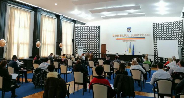 Secretarii generali ai U.A.T.-urilor din județul Constanța, instruiți de juriștii Instituției Prefectului