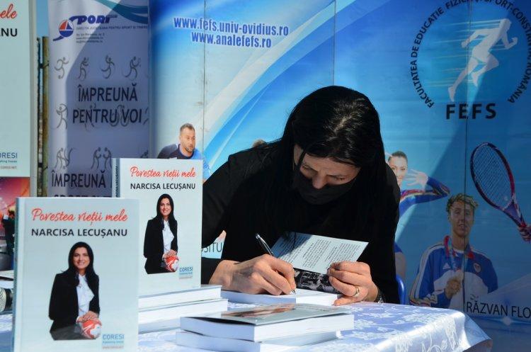 Marea handbalistă Narcisa Lecuşanu şi-a lansat volumul memorialistic POVESTEA VIEȚII MELE