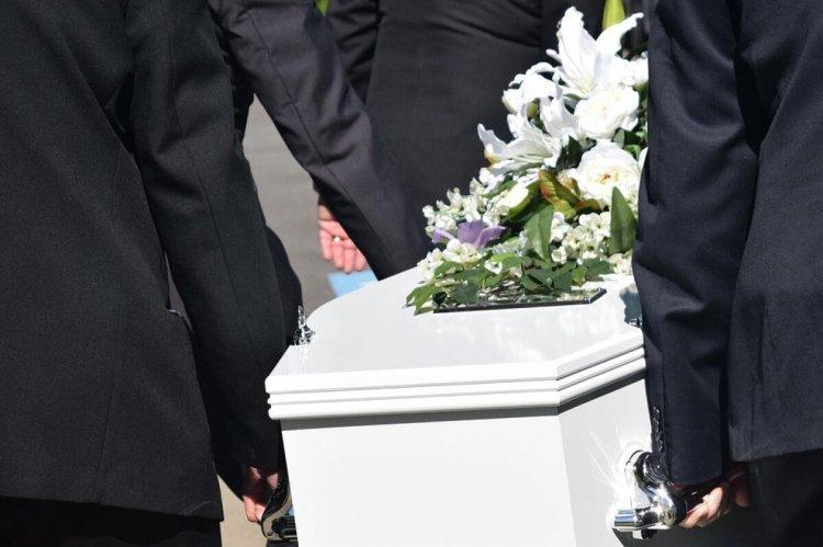 Regulile pentru înmormântările celor care au murit de COVID au fost schimbate