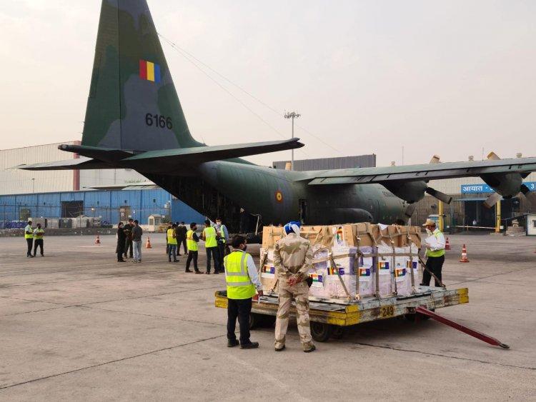 Avionul militar cu ajutoarele de urgență, trimise de România în India au ajuns la New Delhi